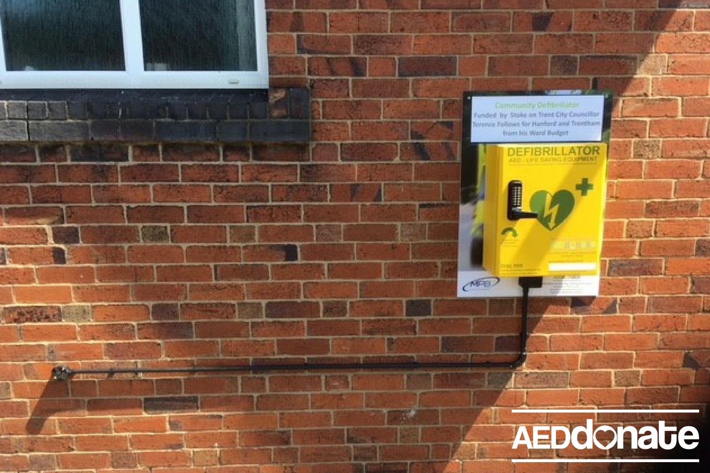Defibrillator installed at Trentham Methodist Church