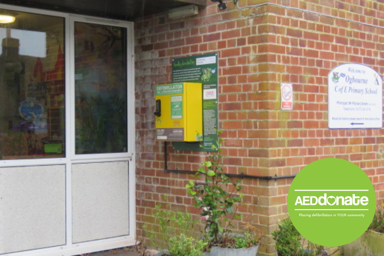 New Public Access Defibrillator installed in Marlborough, Wiltshire
